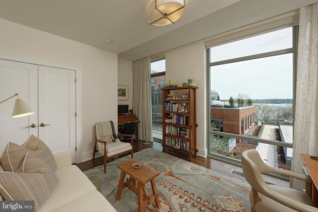 The 3rd BR includes views of the Potomac River - 601 N FAIRFAX ST #316, ALEXANDRIA
