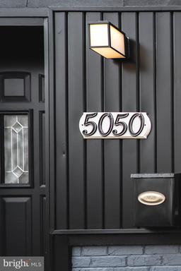 5050 11TH ST NE