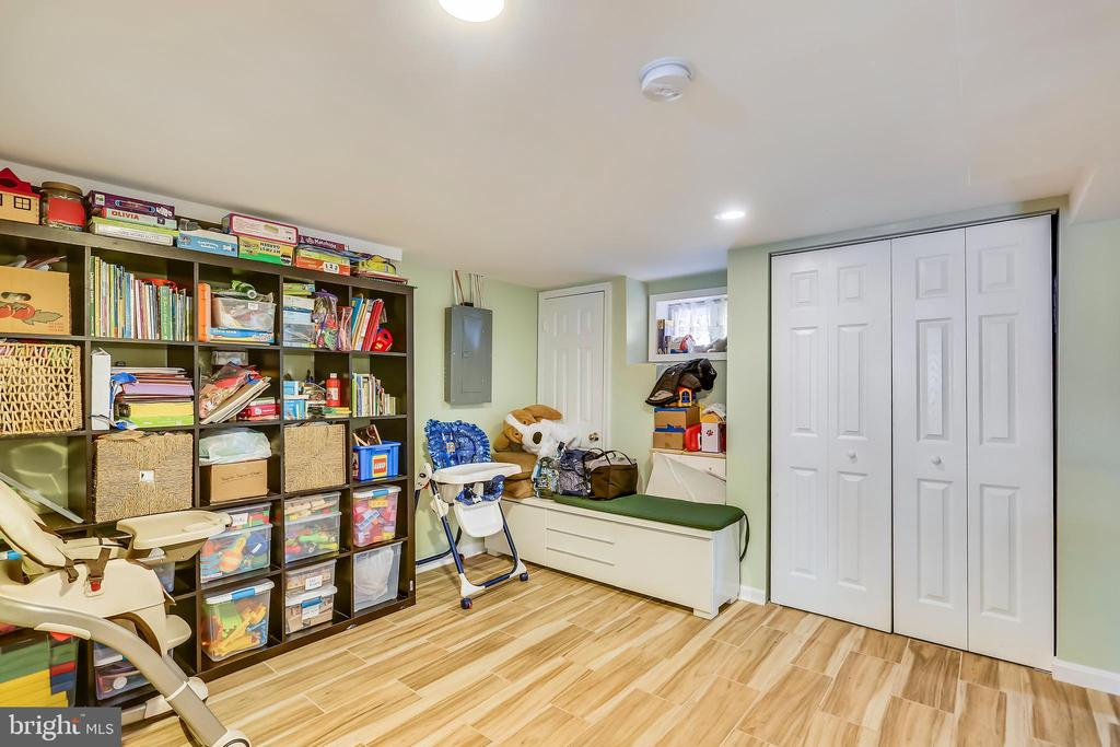 Lower Level Rec Room - 4914 BANGOR DR, KENSINGTON