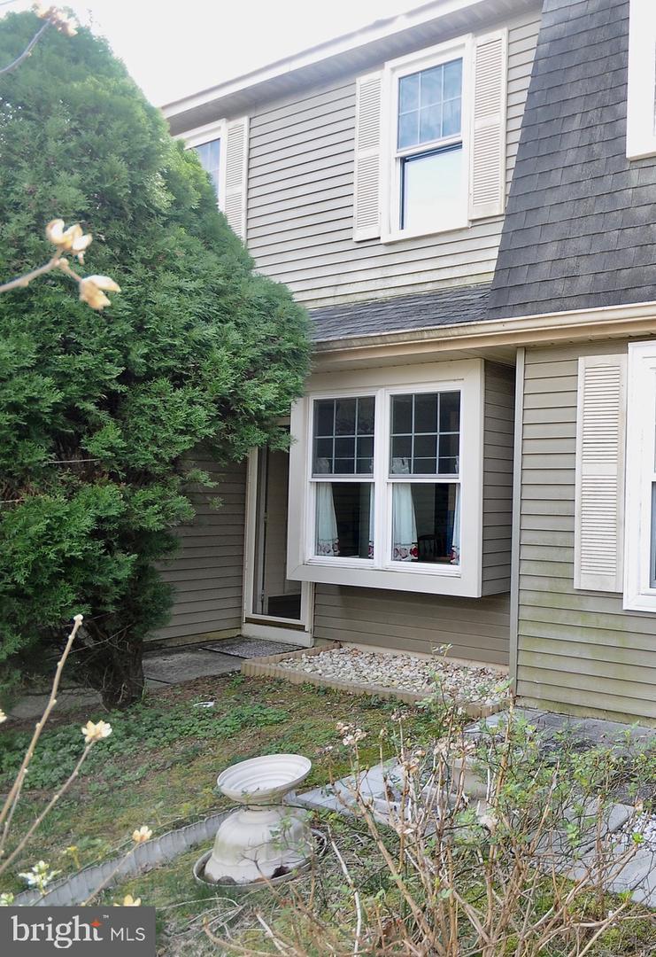 Villa per Vendita alle ore 46 RIVER BANK Drive Roebling, New Jersey 08554 Stati Uniti