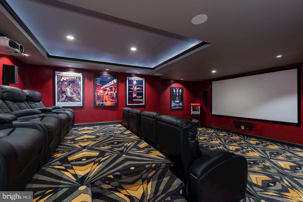 Media Room w/ Leather Power Reclining Seats - 24436 PERMIAN CIR, ALDIE