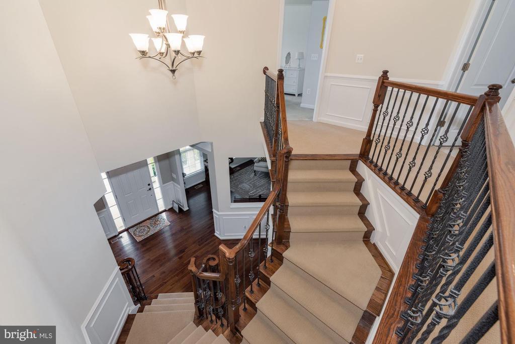 2-story Foyer - 24436 PERMIAN CIR, ALDIE