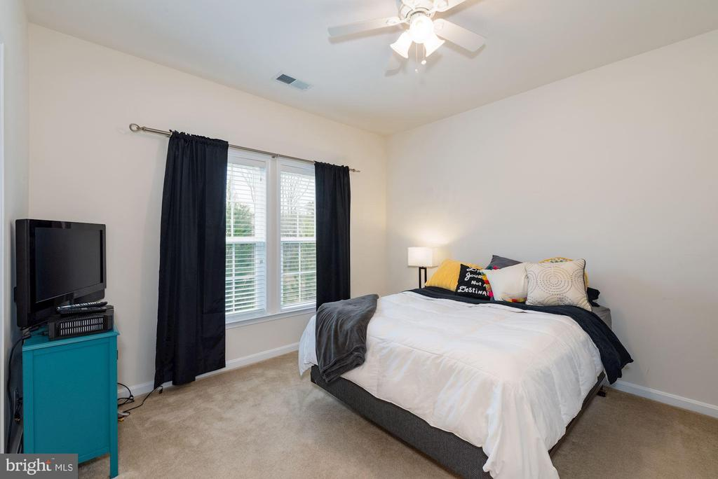 Bedroom #5 with Walk-in Closet - 24436 PERMIAN CIR, ALDIE
