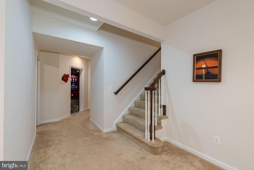 Finished Basement with ample storage - 24436 PERMIAN CIR, ALDIE