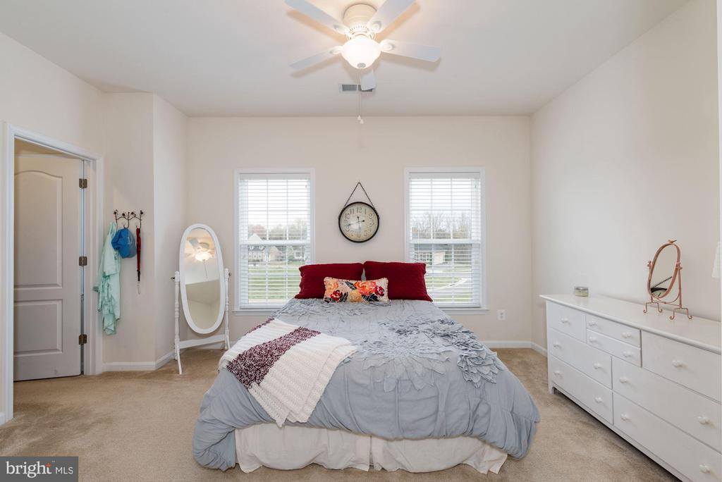 Bedroom #4 with Walk-in Closet - 24436 PERMIAN CIR, ALDIE