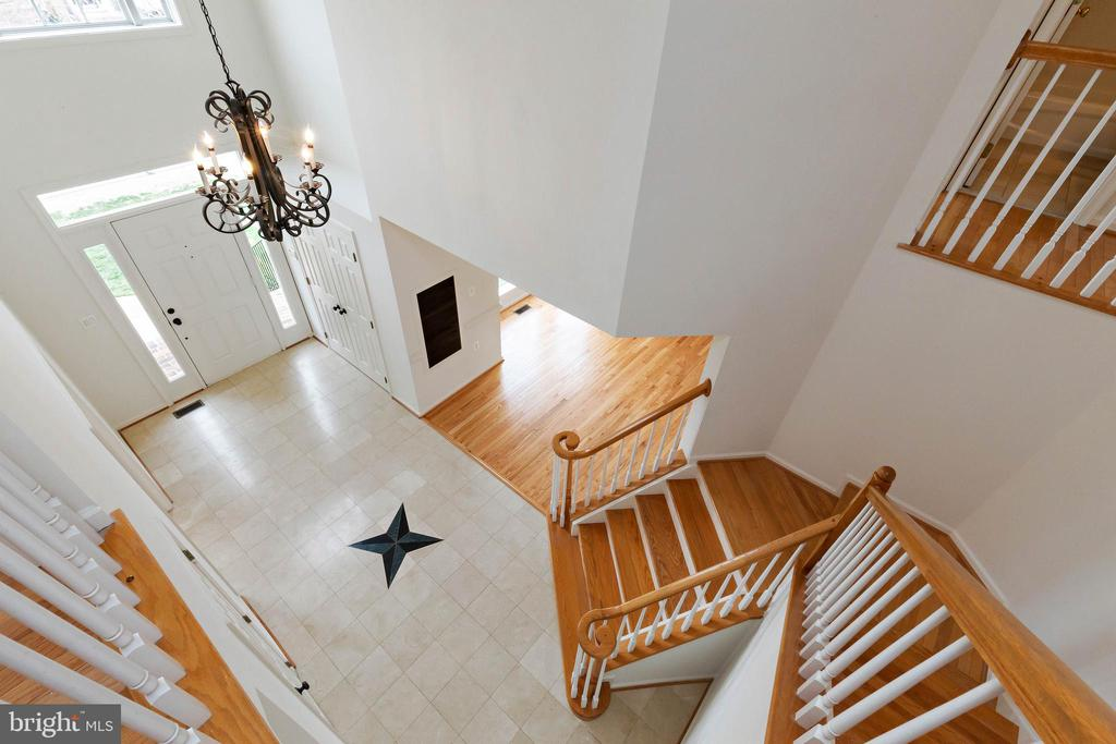 Stairs leading to upper level - 44267 OLDETOWNE PL, ASHBURN