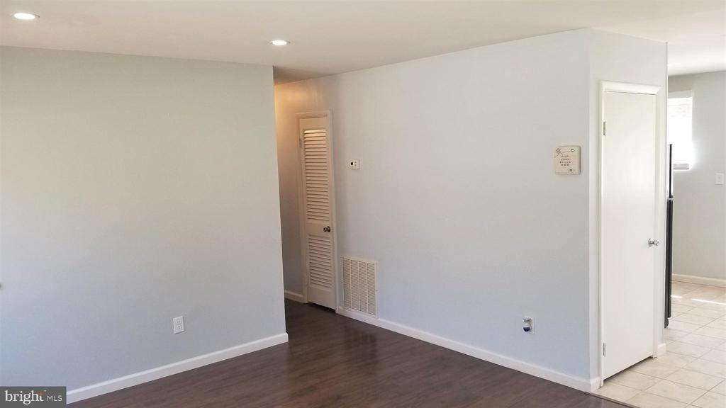 Livingroom 4 - 6311 WOODLAND RD, MORNINGSIDE