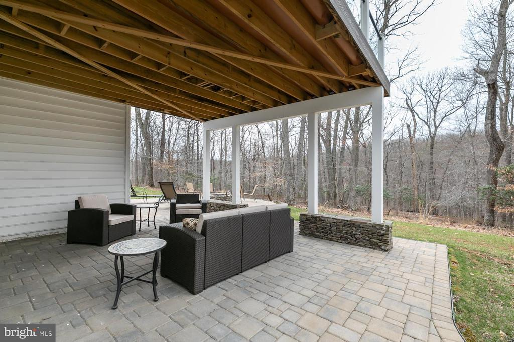 Rear patio - 15747 BASKERVILLE CT, LEESBURG