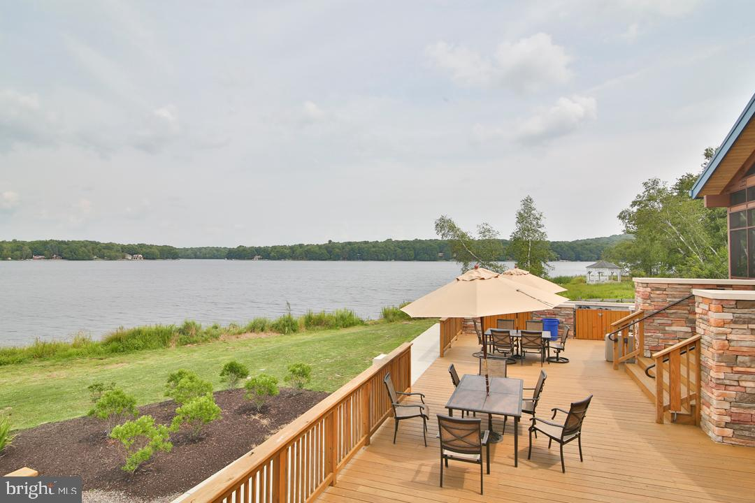 Additional photo for property listing at  Pocono Lake, Pennsylvania 18347 Hoa Kỳ