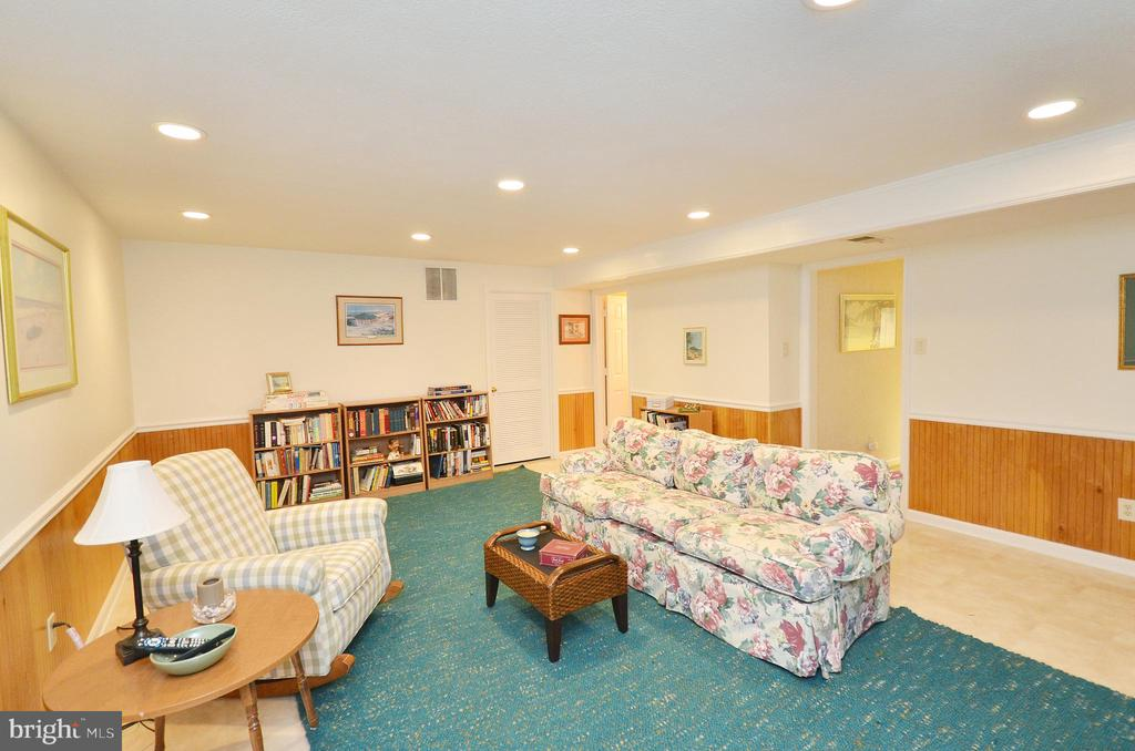 Recreation Room - Lower Level - 302 TRAMORE CT, STERLING
