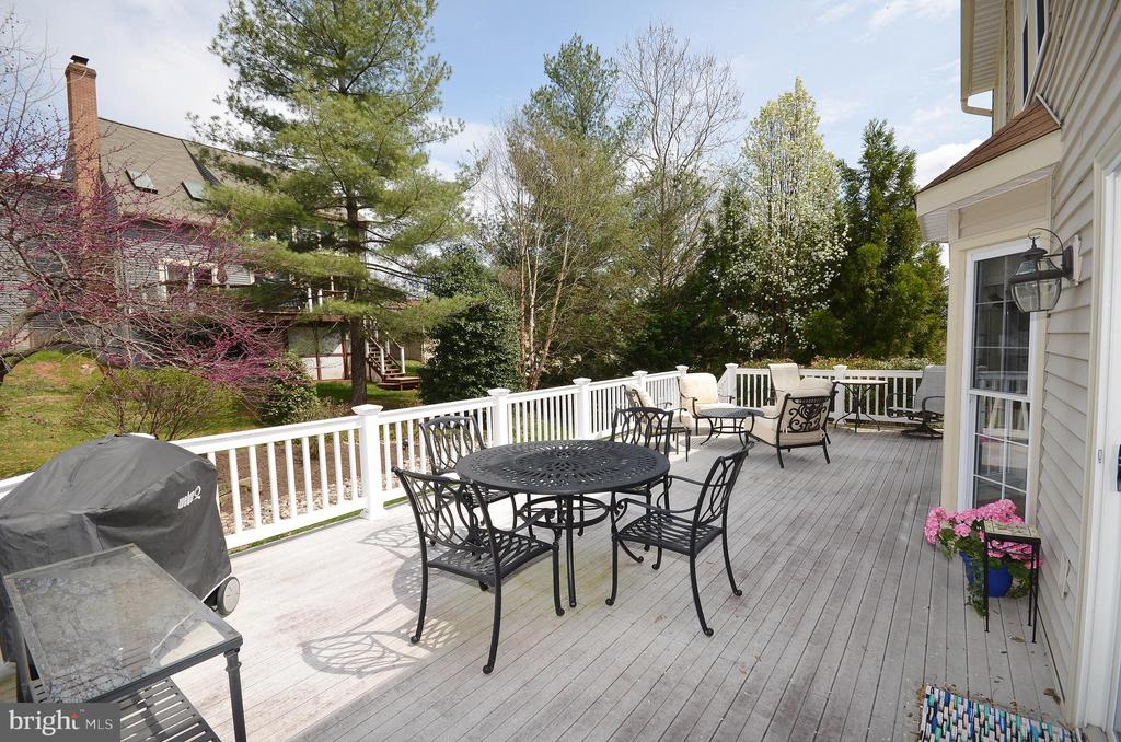 Deck - 302 TRAMORE CT, STERLING