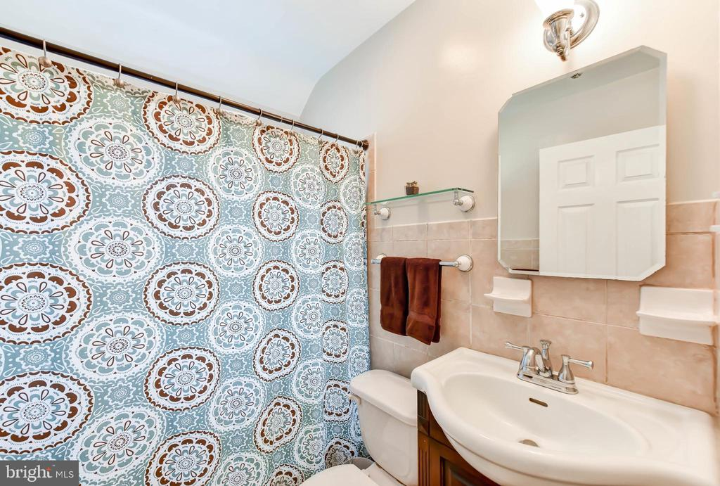 Full Bath - 2617 S VEITCH ST, ARLINGTON