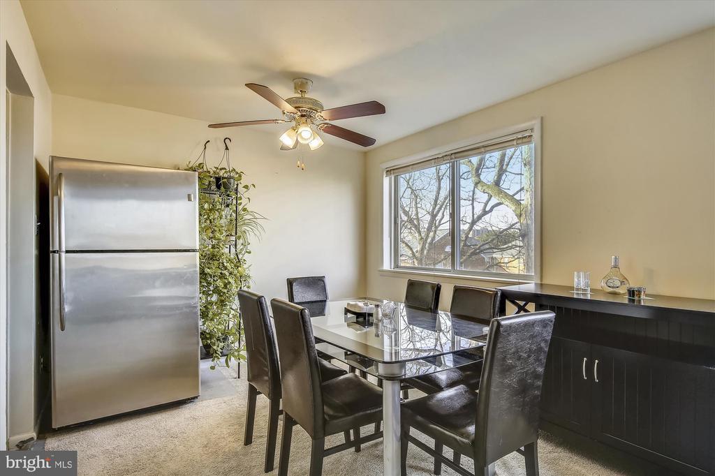 Bright Dining Room - 5111 8TH RD S #305, ARLINGTON