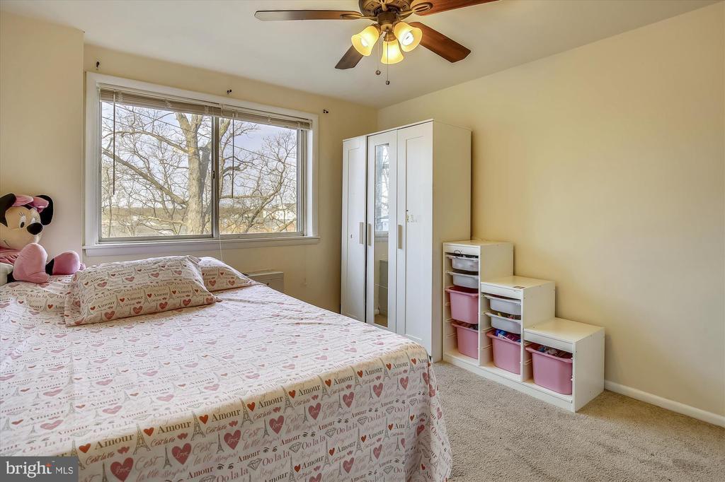 Spacious 2nd Bedroom - 5111 8TH RD S #305, ARLINGTON