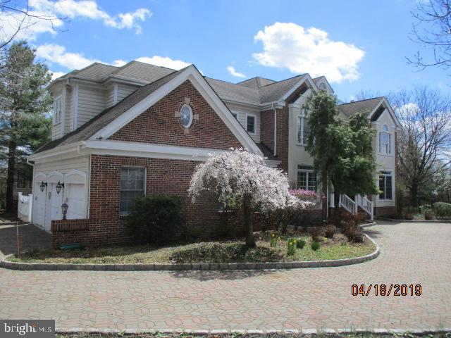 Single Family Home for Sale at 2 NOBADEER Drive Pennington, New Jersey 08534 United StatesMunicipality: Hopewell Township