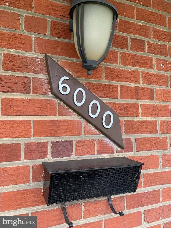 - 6000 85TH PL, NEW CARROLLTON