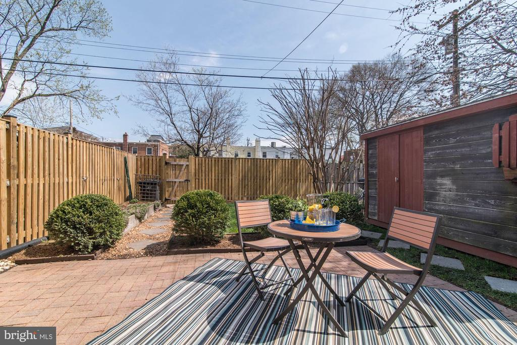 Back Yard - Fenced! - 517 N WEST ST, ALEXANDRIA