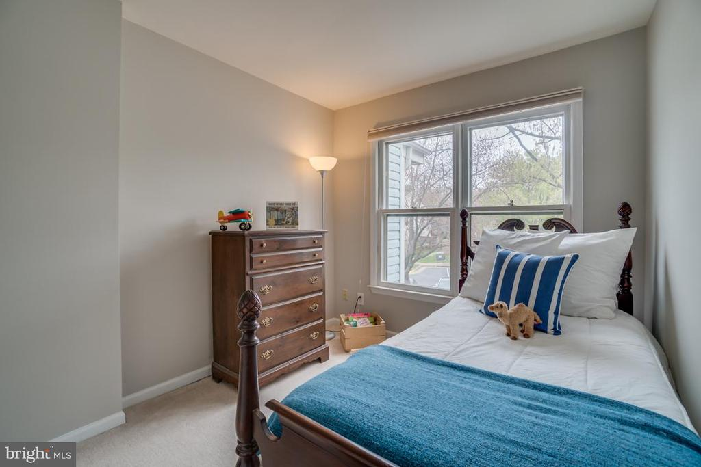 Second bedroom - 6072 DEER HILL CT, CENTREVILLE