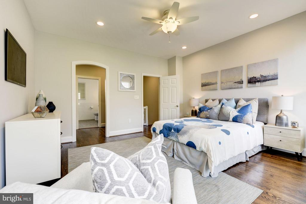 Master Bedroom - 930 WESTMINSTER ST NW, WASHINGTON