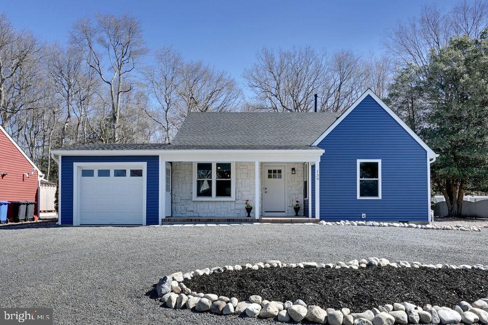Maison unifamiliale pour l Vente à 139 JENNINGS Manahawkin, New Jersey 07405 États-Unis