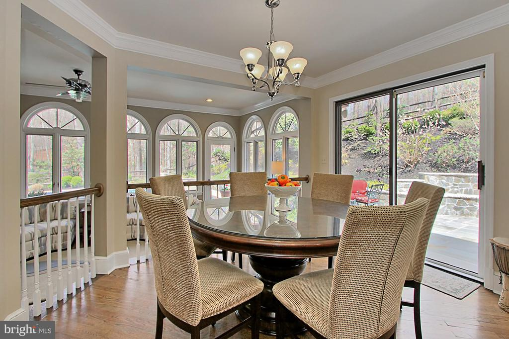 Breakfast room walks out to patio and pool - 8345 CATHEDRAL FOREST DR, FAIRFAX STATION