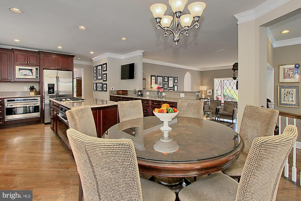 Breakfast room - 8345 CATHEDRAL FOREST DR, FAIRFAX STATION