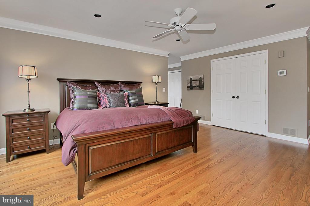 Master suite - 8345 CATHEDRAL FOREST DR, FAIRFAX STATION