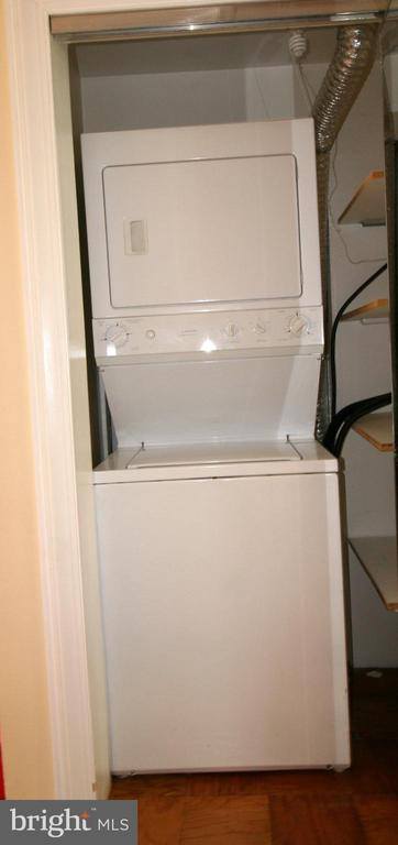 Convenient washer/dryer in unit - 10101 WINDSTREAM DR #6, COLUMBIA