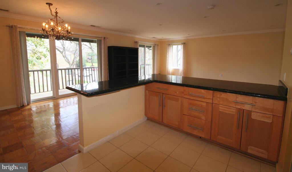 Sensationally spacious & open floorplan - 10101 WINDSTREAM DR #6, COLUMBIA