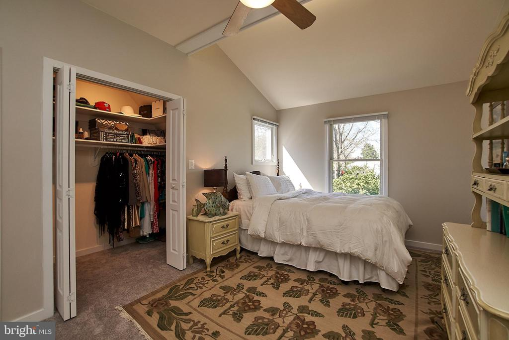 Great closet space - this is one of two - 6100 LEEWOOD DR, ALEXANDRIA