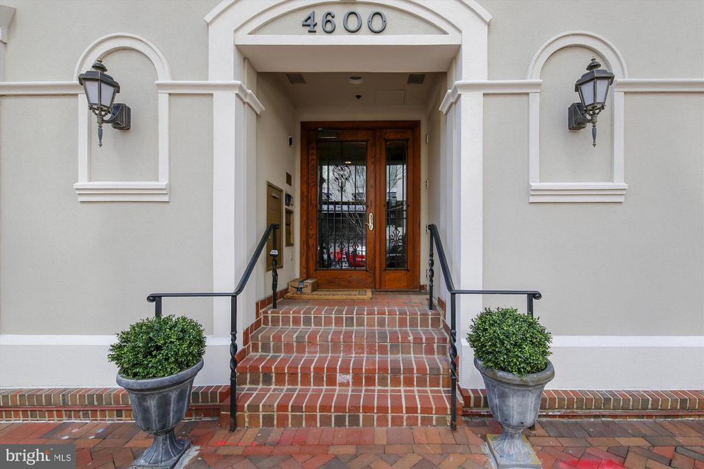 Entrance on Elm St - 4600 ELM ST #R-4, CHEVY CHASE