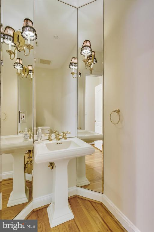 Powder room - 4600 ELM ST #R-4, CHEVY CHASE