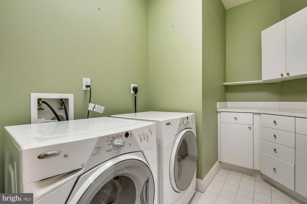 laundry room - 4600 ELM ST #R-4, CHEVY CHASE
