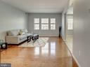 Oak hardwood floors throughout! - 2011 KEY BLVD #599, ARLINGTON