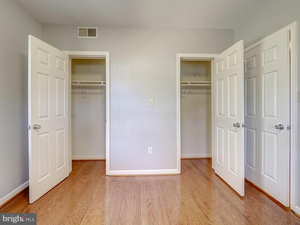 Excellent storage in the second bedroom! - 2011 KEY BLVD #599, ARLINGTON