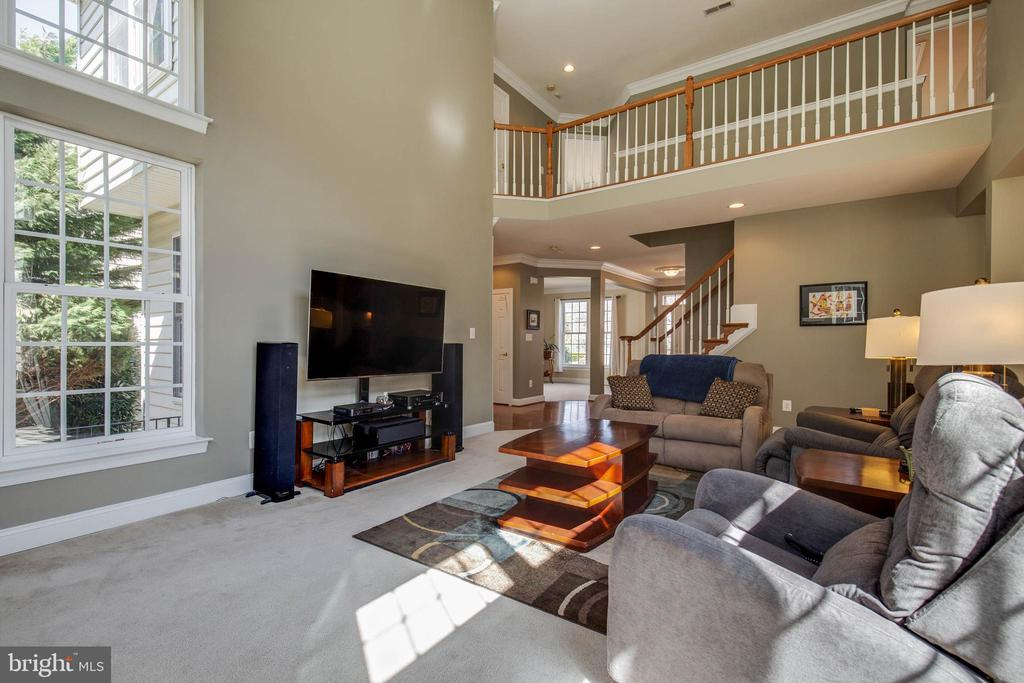 2 story great room - 42771 CONQUEST CIR, BRAMBLETON