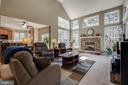 Family room - 42771 CONQUEST CIR, BRAMBLETON