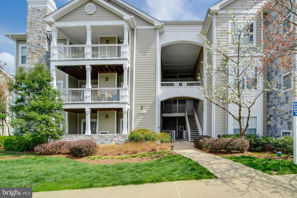 1716 Lake Shore Crest Ter., #35 - 1716 LAKE SHORE CREST DR #35, RESTON