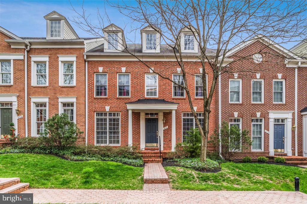 411  PARK AVENUE, one of homes for sale in Falls Church