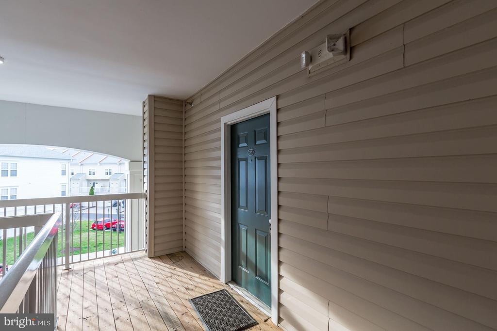 Front Door Entrance - 42446 MAYFLOWER TER #301, BRAMBLETON