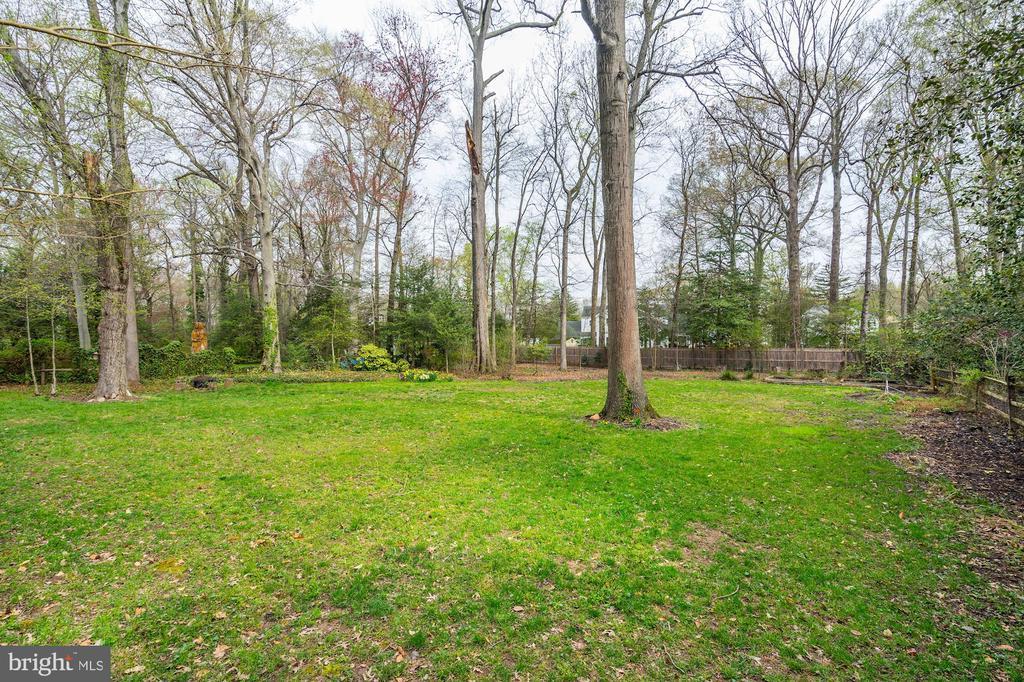 ...more than a half acre lot - 4324 FERRY LANDING RD, ALEXANDRIA
