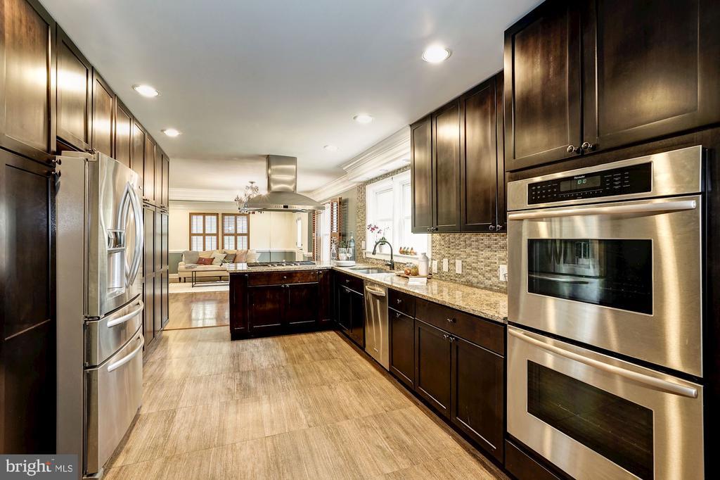 Stunning kitchen! - 4324 FERRY LANDING RD, ALEXANDRIA