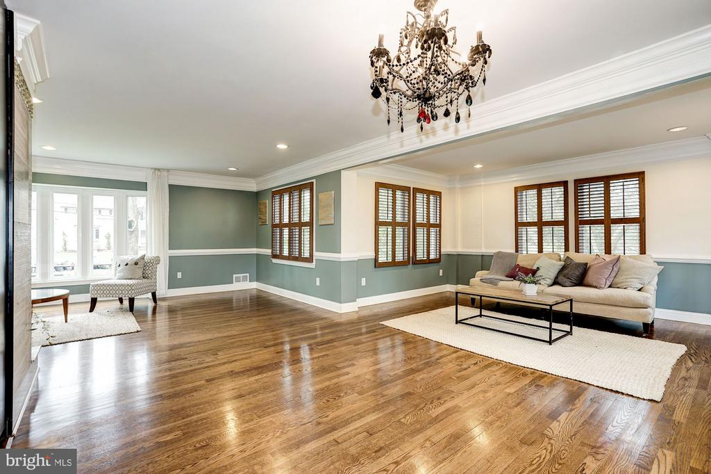 Family room, dining room, kitchen - 4324 FERRY LANDING RD, ALEXANDRIA