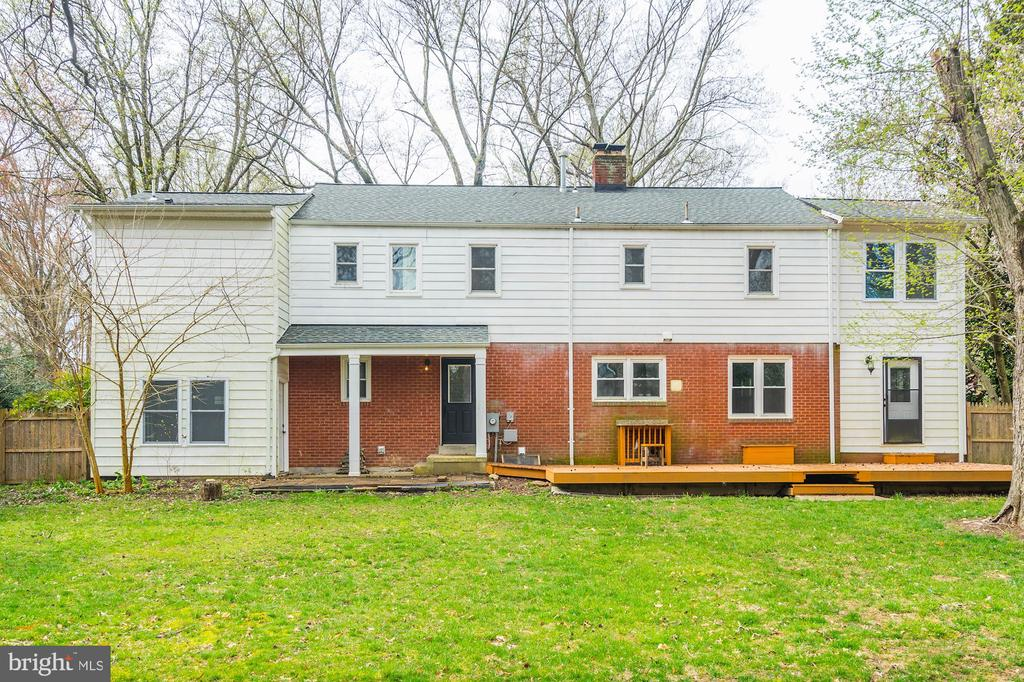 But the back reveals a private retreat! - 4324 FERRY LANDING RD, ALEXANDRIA