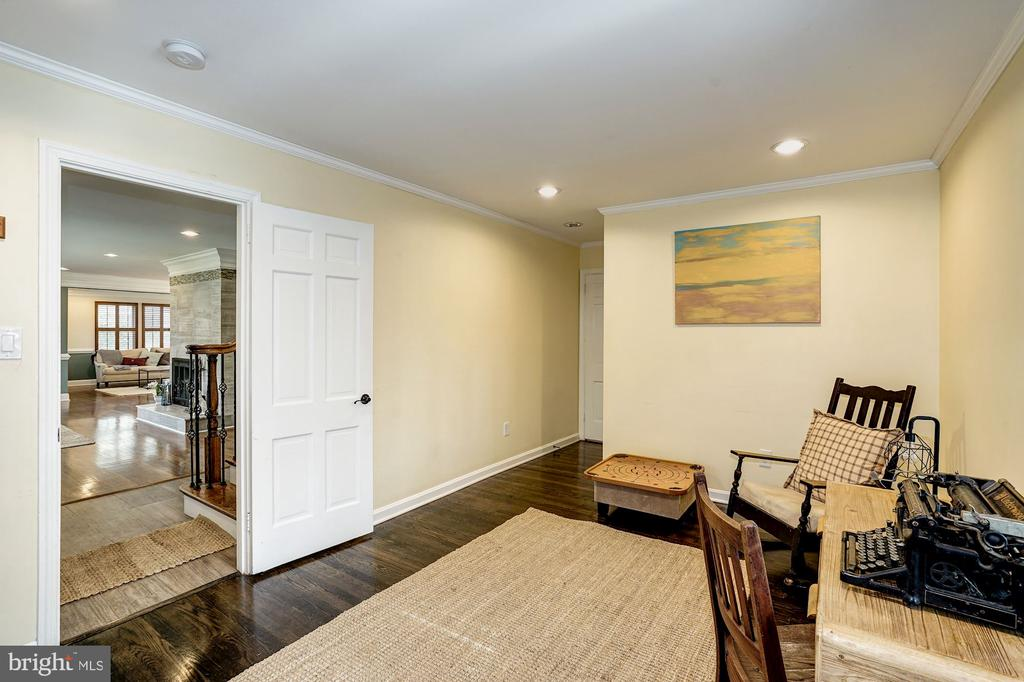 Main level home office (can also be a bedroom) - 4324 FERRY LANDING RD, ALEXANDRIA