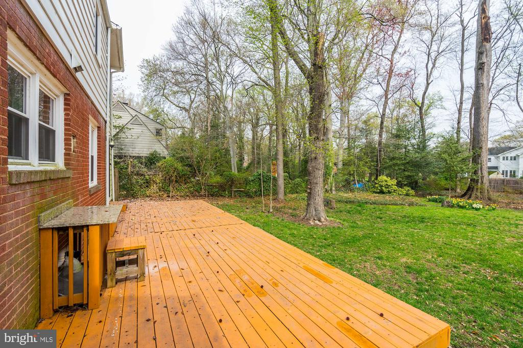 Spacious deck right out back! - 4324 FERRY LANDING RD, ALEXANDRIA