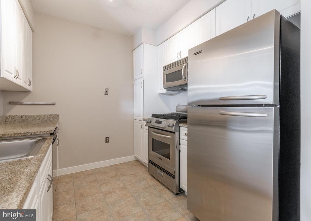 Kitchen - 555 MASSACHUSETTS AVE NW #1201, WASHINGTON