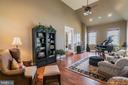 Large side conservatory - 43130 MEADOW GROVE DR, ASHBURN