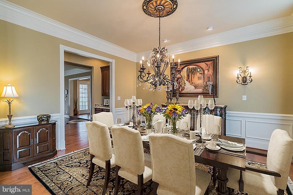 Formal Dining room with upgraded Chandelier - 43130 MEADOW GROVE DR, ASHBURN