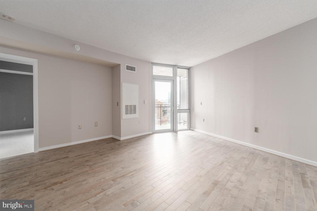 Living Space - 555 MASSACHUSETTS AVE NW #1201, WASHINGTON